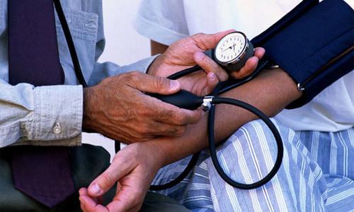 Не падает давление после приема лекарств причины