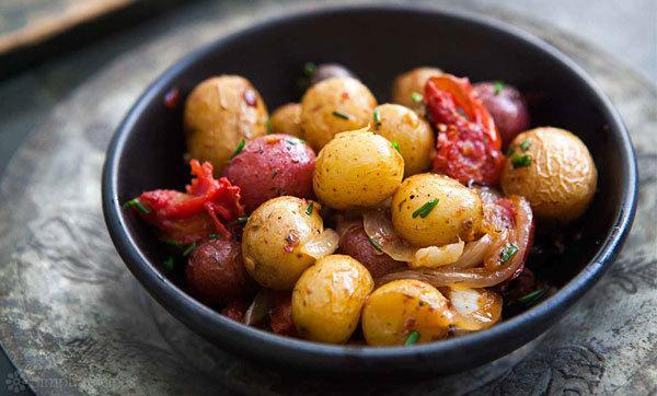 Полезные свойства картофеля, химический состав, пищевая ценность, особенности использования, вред картофеля.