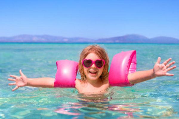 Когда ребенку можно на море: польза моря для детей, можно ли купать ребенка в море