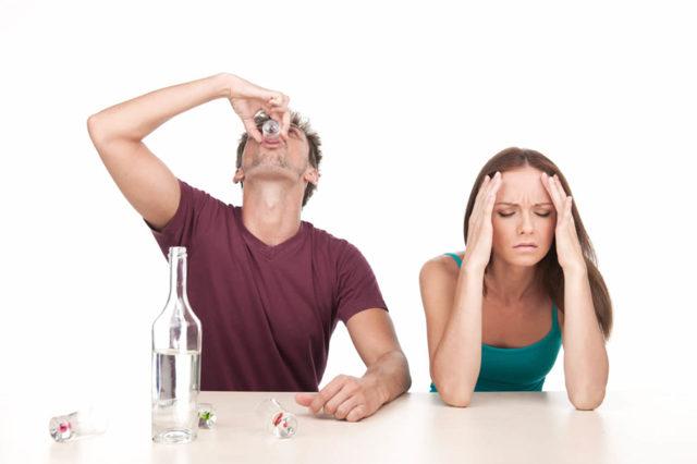 Основные симптомы, стадии алкоголизма, опасность и последствия