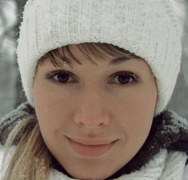 Сезонное выпадение волос у женщин: почему зимой, осенью и весной выпадают волосы