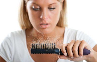 Как бороться с выпадением волос у женщин